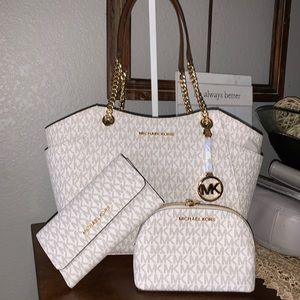 3 PCS set ♥️ New MK vanilla bag, wallet & make up